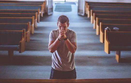 Allah yang Maha Kudus, Penolong dan Penebus